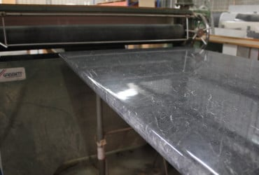 laminating-a-timber-benchtop-370x250