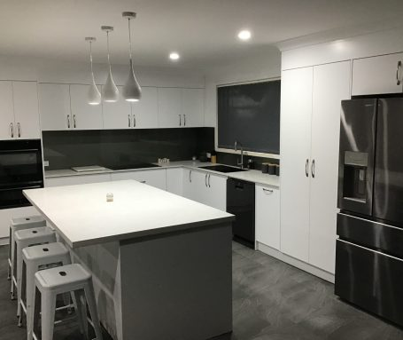finished kitchen photo 2